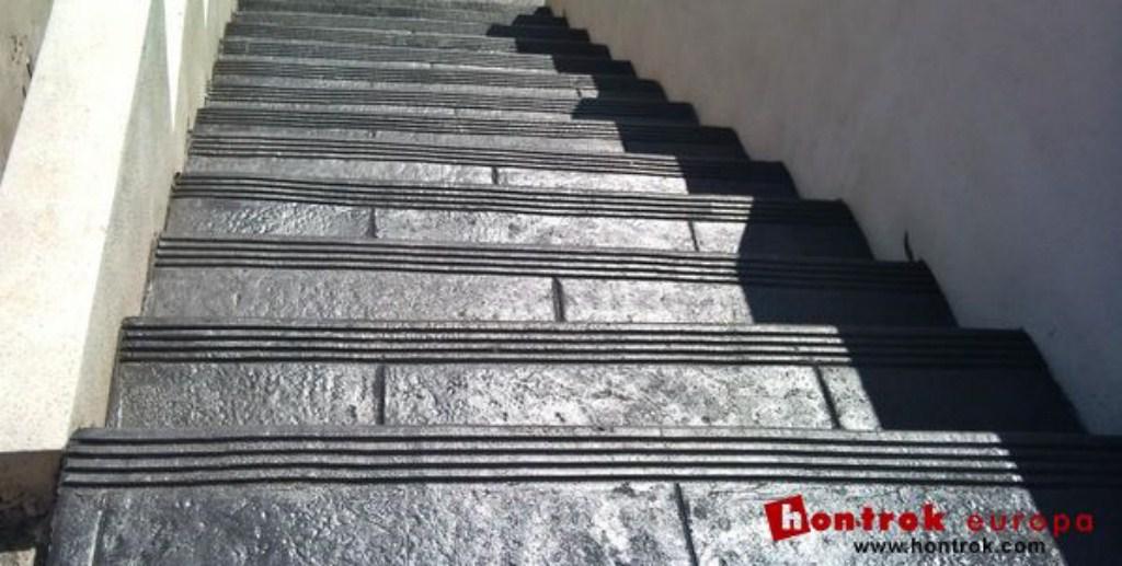 en muchisimas obras donde se aplica el hormign impreso hay algunos escalones y escaleras que tambin se desean hacer con este material